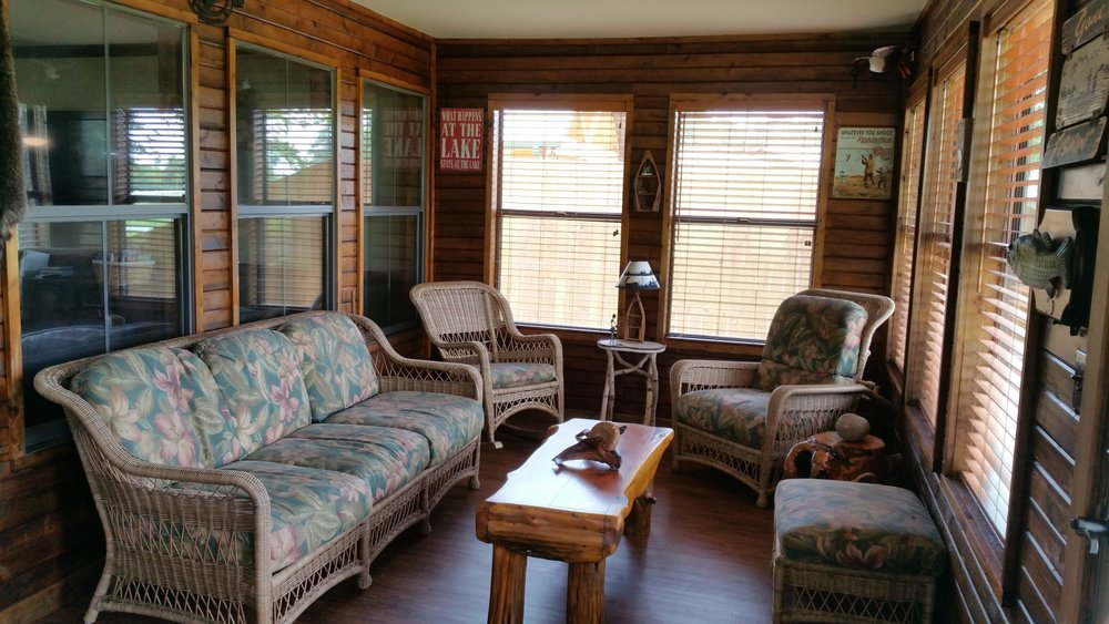 Cabins_on_lake_fork_sunroom.jpg