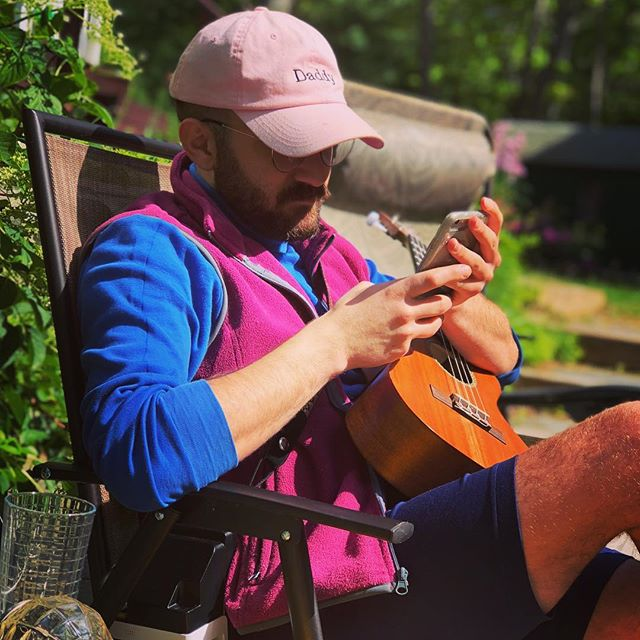 Dad is working💕 . . 📸 @alexgboyle . . . #dad #daddy #uke #ukulele #cape #capecod #instagay #gay #gayboy #gaystagram #gaylove #icon