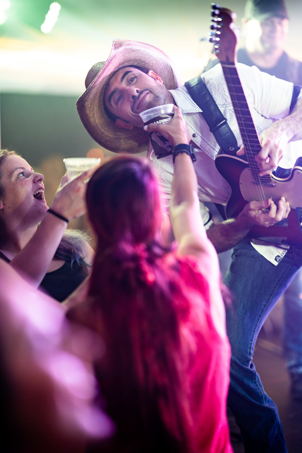 Madison County party crowd | Live country music | Photo by BillyBengtson.com