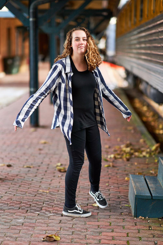 Fall Portrait of Teenage Girl | Photo by BillyBengtson.com