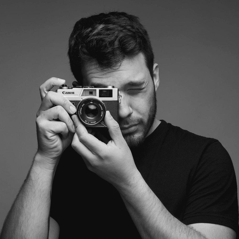 CESAR GHISILERI    Photographer