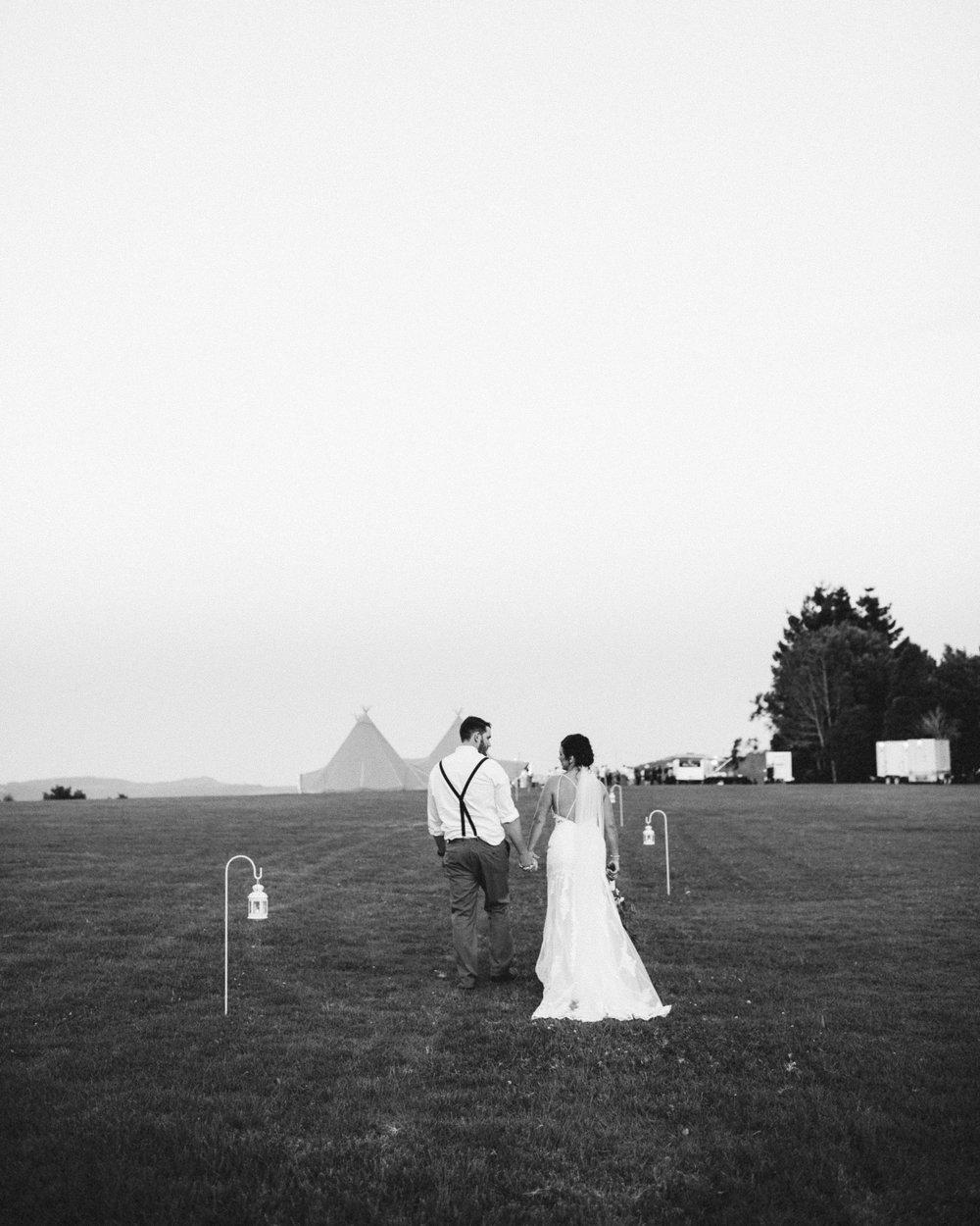 Sara + Rob - MALENY, QLD