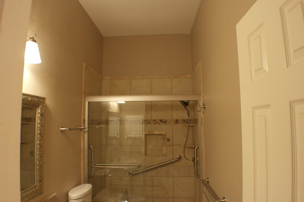 TUBTOSHOWERS CONVERSIONS EZACCESSBATHROOMS.COM 8322028453 COKER 045.JPG