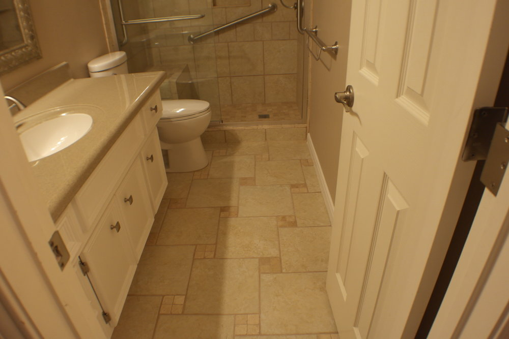 TUBTOSHOWERS CONVERSIONS EZACCESSBATHROOMS.COM 8322028453 COKER 047.JPG
