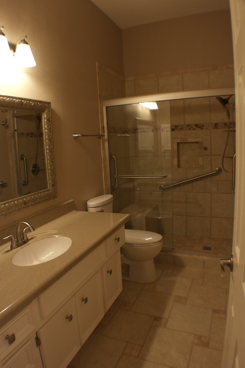 TUBTOSHOWERS CONVERSIONS EZACCESSBATHROOMS.COM 8322028453 COKER 051.JPG