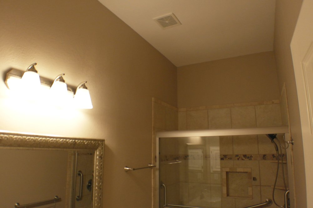 TUBTOSHOWERS CONVERSIONS EZACCESSBATHROOMS.COM 8322028453 COKER 042.JPG
