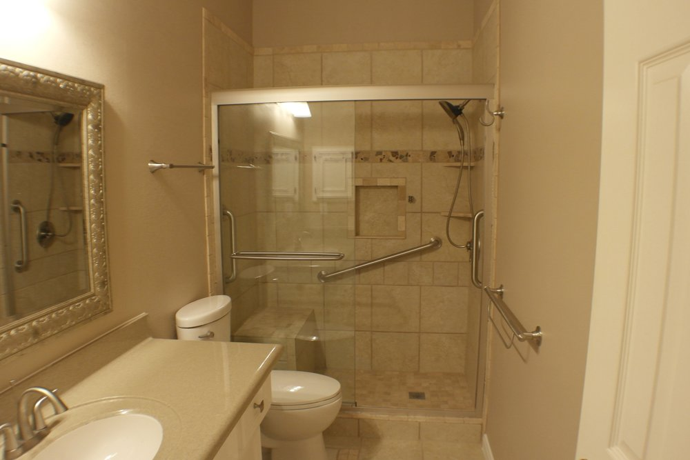 TUBTOSHOWERS CONVERSIONS EZACCESSBATHROOMS.COM 8322028453 COKER 044.JPG
