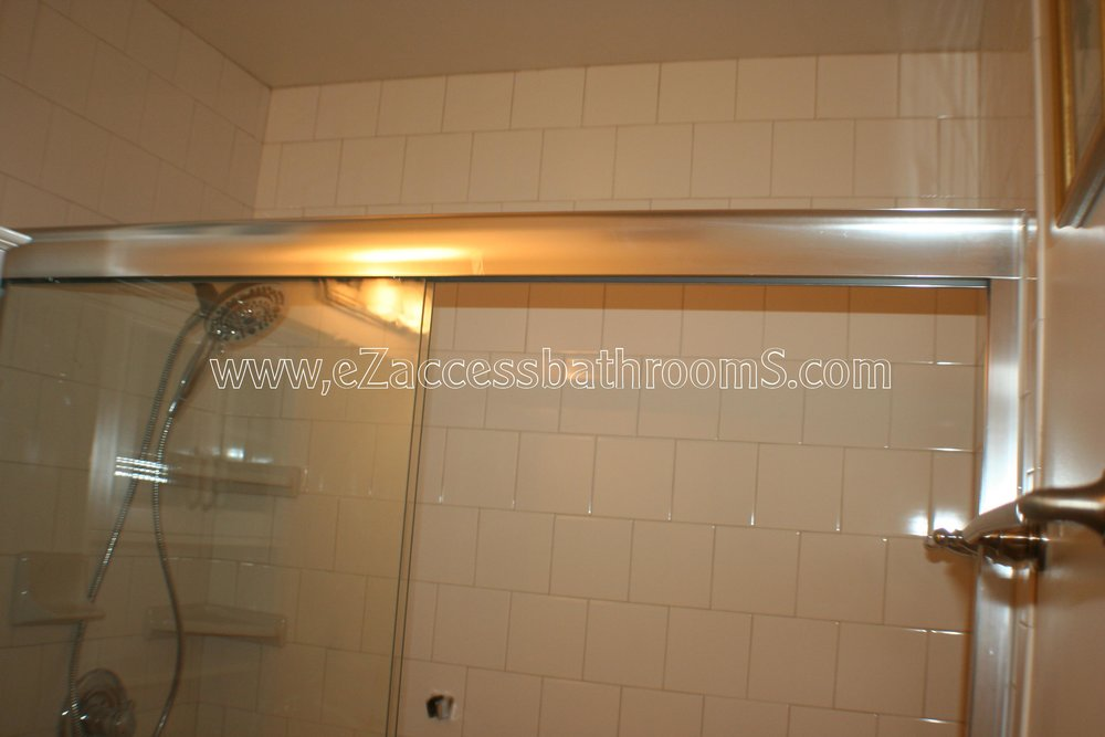 TUBTOSHOWERS CONVERSIONS EZACCESSBATHROOMS.COM 8322028453 CERVNATES 056.JPG