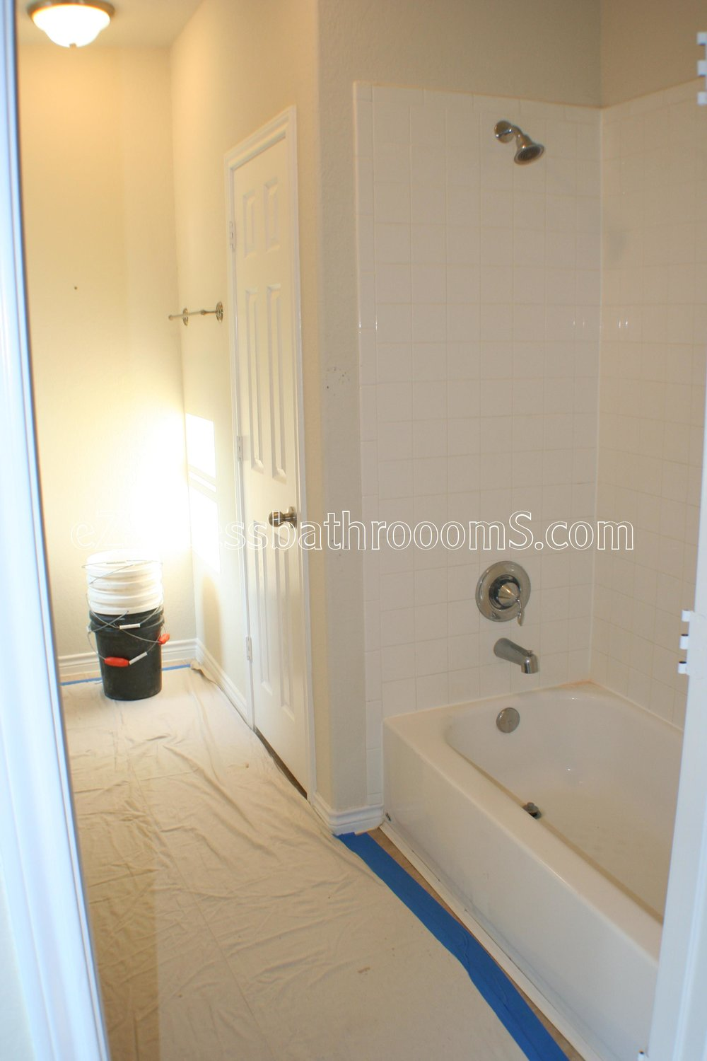 TUBTOSHOWERS CONVERSIONS EZACCESSBATHROOMS.COM 832202843 BRYANT 023.JPG