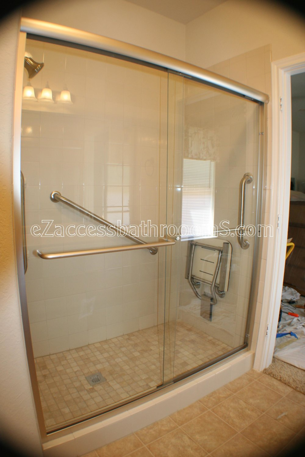 TUBTOSHOWERS CONVERSIONS EZACCESSBATHROOMS.COM 832202843 BRYANT 121.JPG