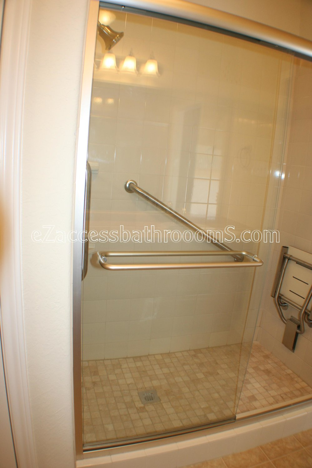 TUBTOSHOWERS CONVERSIONS EZACCESSBATHROOMS.COM 832202843 BRYANT 124.JPG