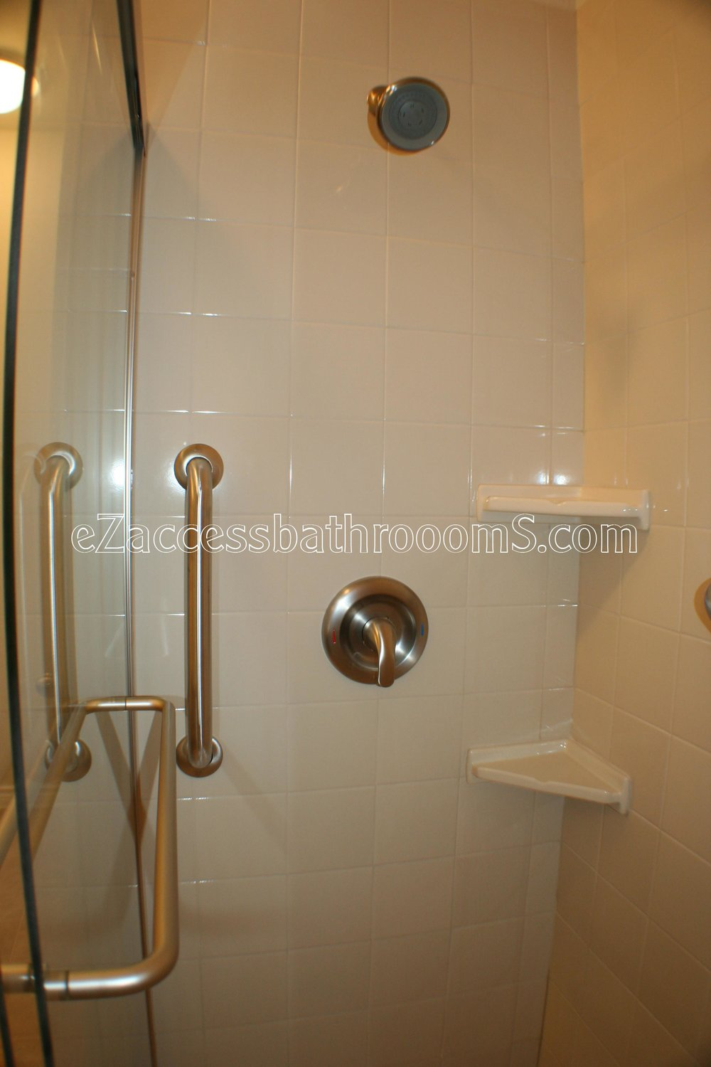 TUBTOSHOWERS CONVERSIONS EZACCESSBATHROOMS.COM 832202843 BRYANT 138.JPG