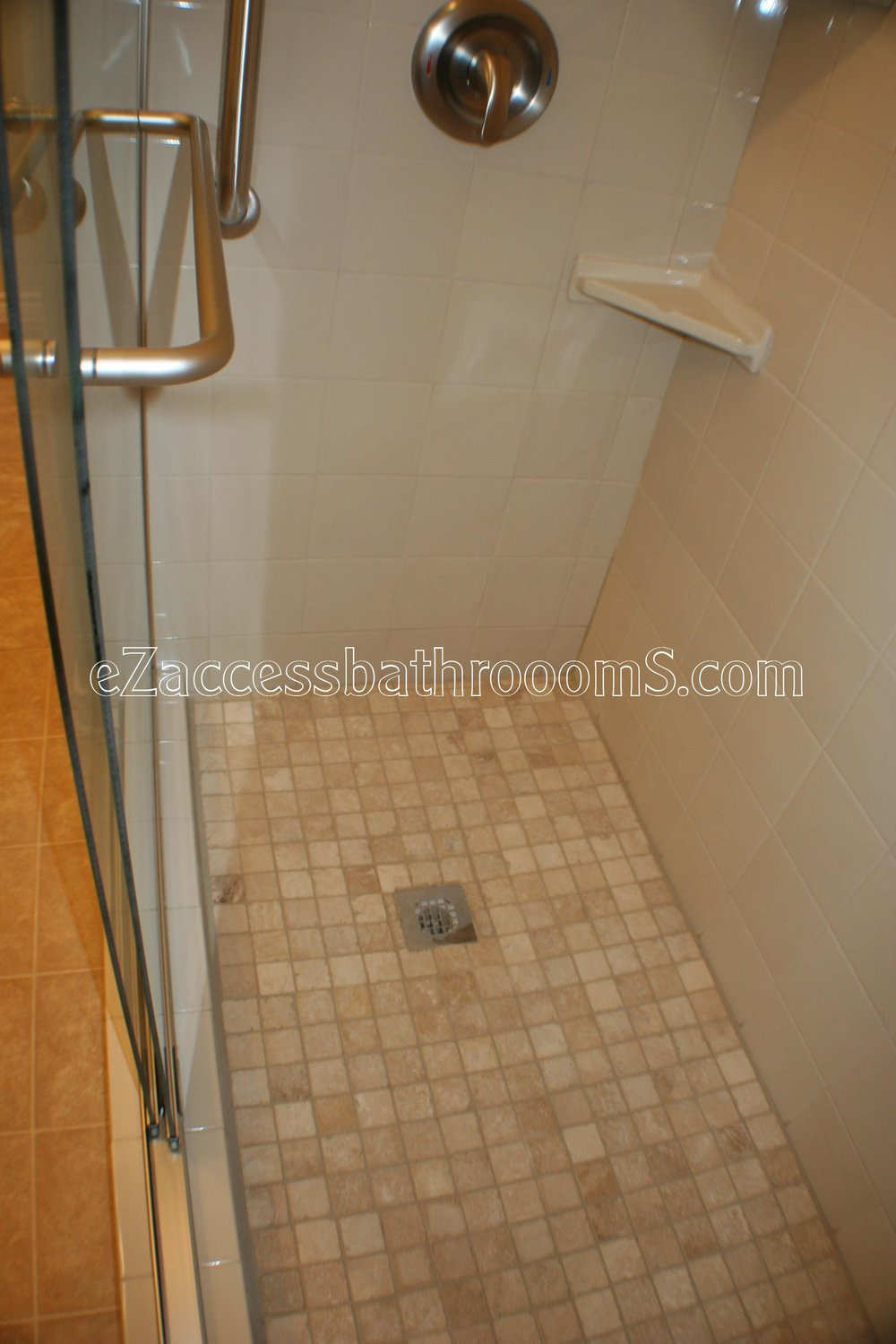 TUBTOSHOWERS CONVERSIONS EZACCESSBATHROOMS.COM 832202843 BRYANT 140.JPG