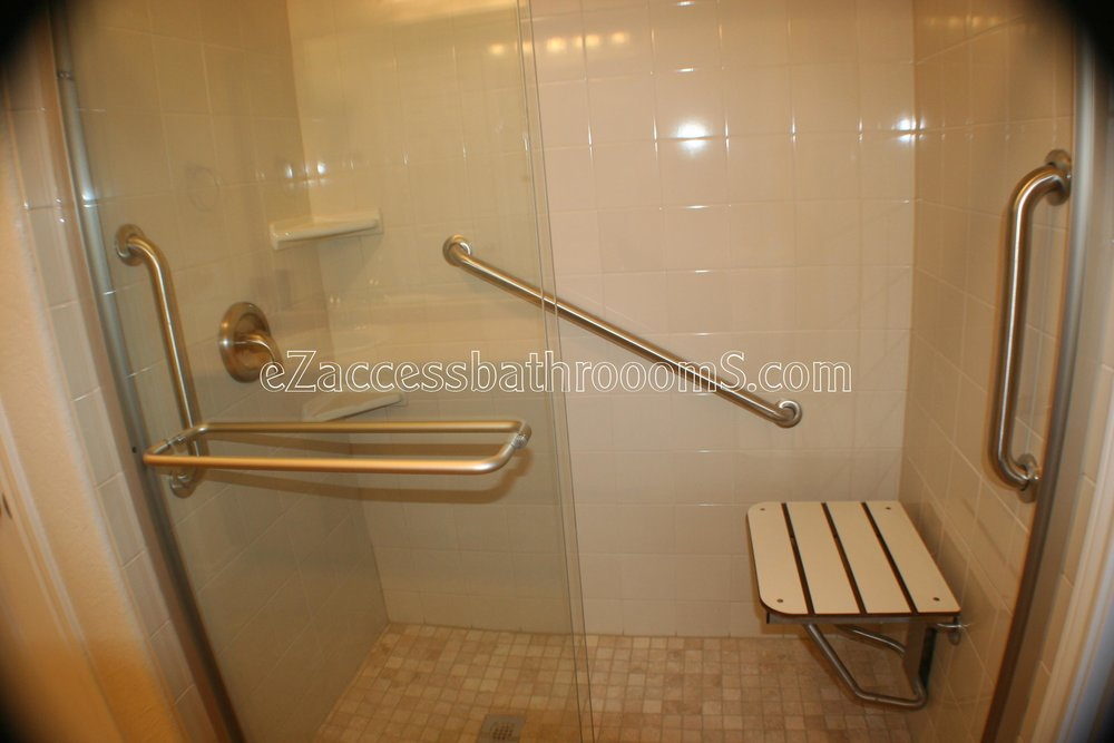 TUBTOSHOWERS CONVERSIONS EZACCESSBATHROOMS.COM 832202843 BRYANT 145.JPG