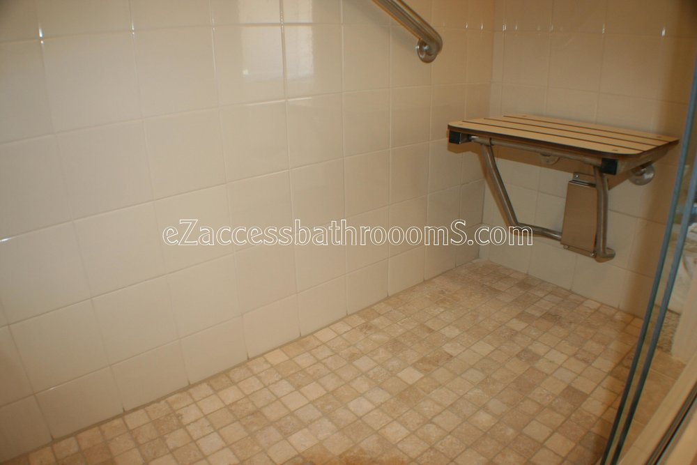 TUBTOSHOWERS CONVERSIONS EZACCESSBATHROOMS.COM 832202843 BRYANT 169.JPG