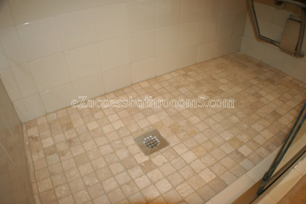 TUBTOSHOWERS CONVERSIONS EZACCESSBATHROOMS.COM 832202843 BRYANT 170.JPG