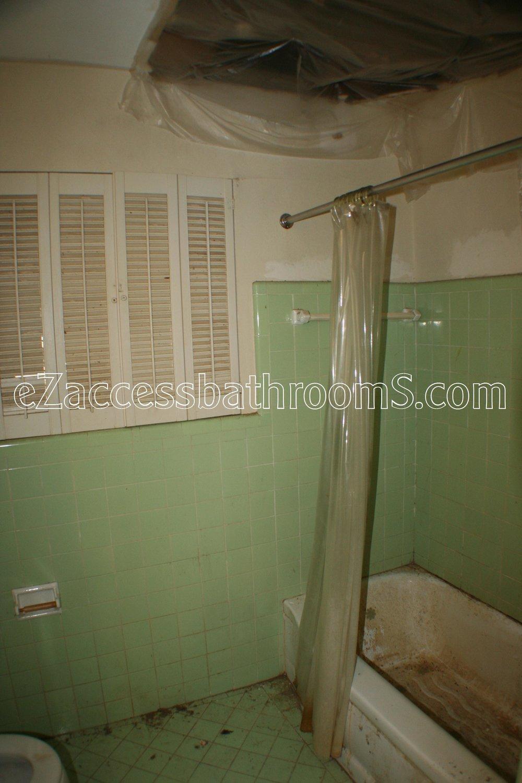 rollin shower ezaccessbathrooms.com 0013.JPG