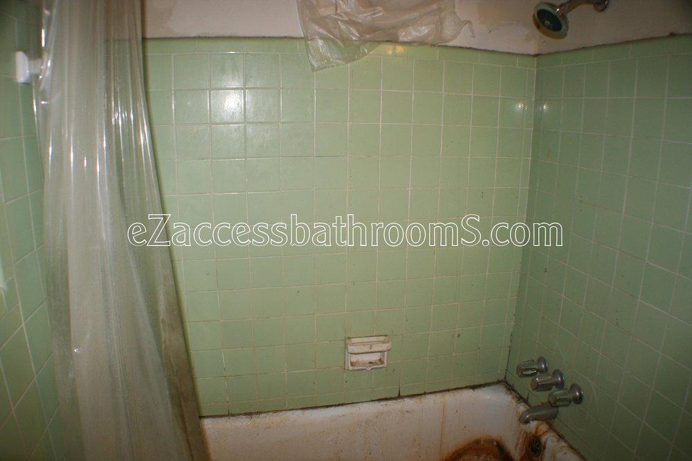 rollin shower ezaccessbathrooms.com 0021.JPG