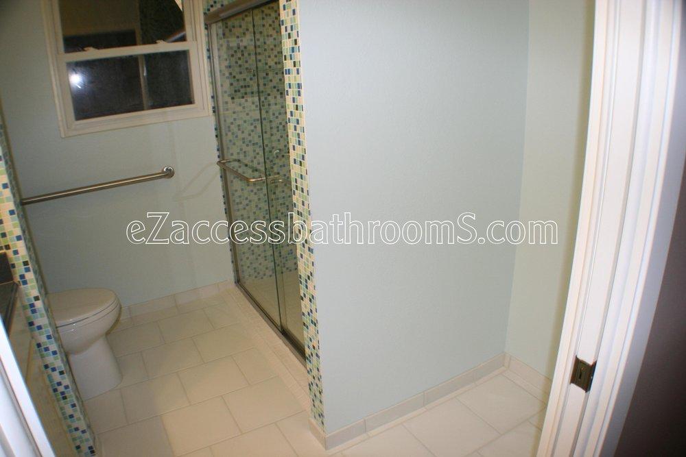 rollin shower ezaccessbathrooms.com 0030.JPG