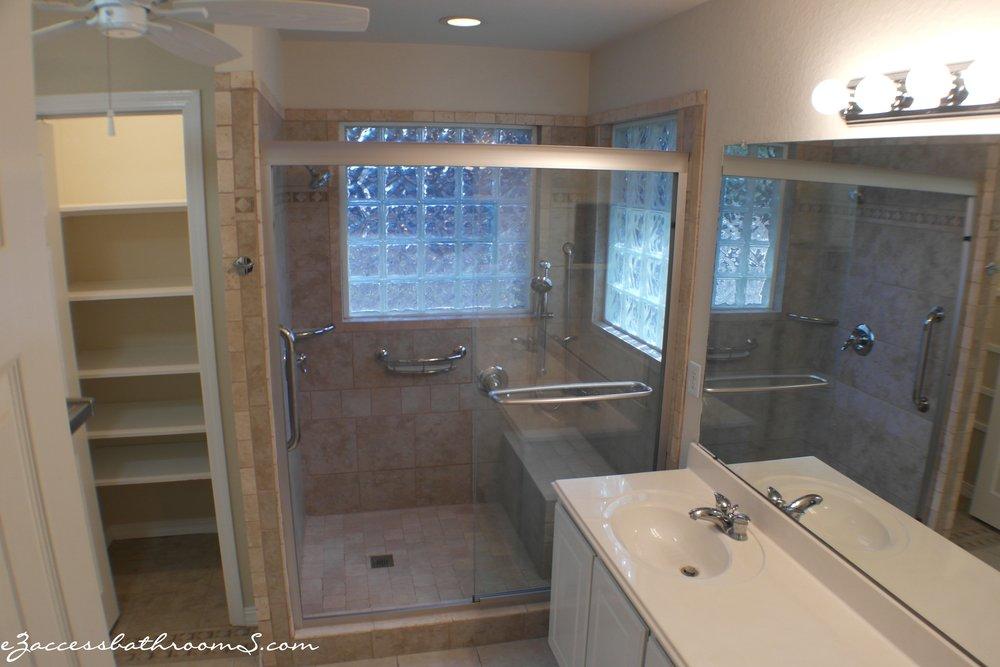 Elderly friendly bathoom remodeling houston eZaccessbathroomS.com 141.JPG
