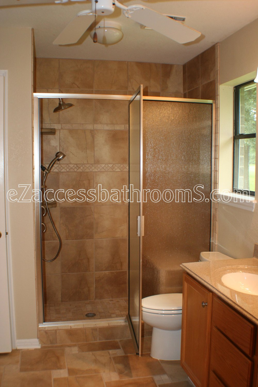 SENIOR FRIENDLY BATHROOMS EZACCESSBATHROOMS.COM 832202843 MYREN; 015.JPG