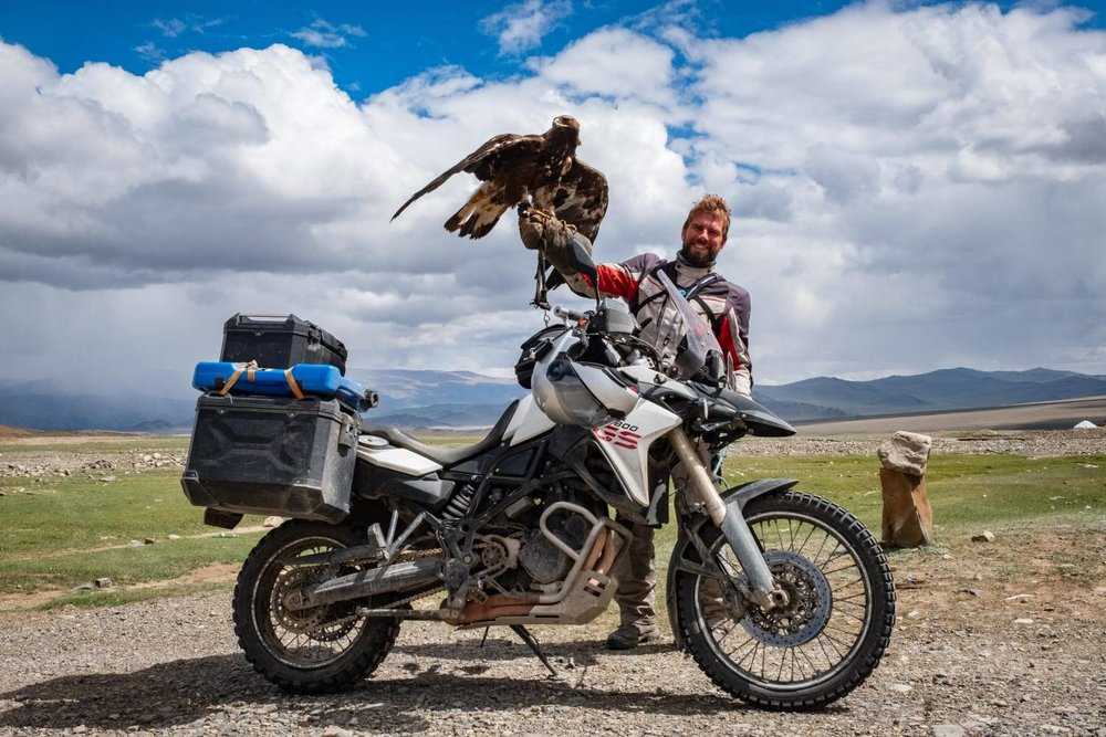 Max and Paddy, russian and american bikers, were riding towards west in the meantime. Anyways, they missed us and stayed in touch sending us pics of their journey.