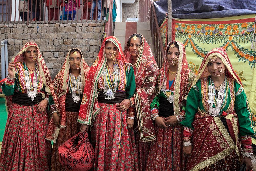 Gaddi-ladies-traditional-dress-arriving-wedding.jpg