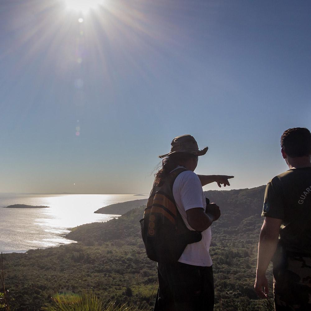 As trilhas - Explore a beleza inóspita do Parque Estadual de Itapuã com Condutores Ambientais Locais.R$ 35 por pessoa