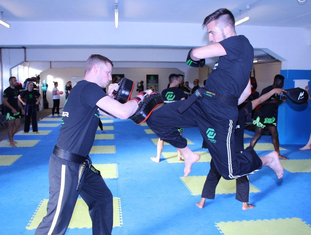 adult kickboxing ruislip