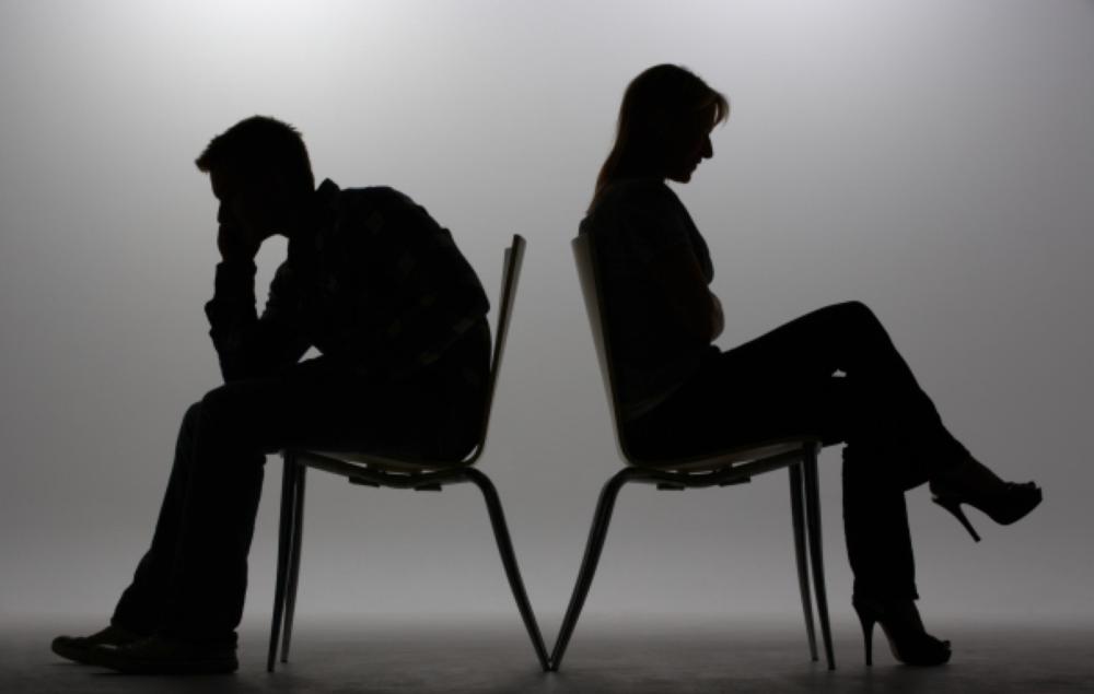 Was tut Ihnen am meisten weh: das Nicht-Reden, das Nicht-Ansehen oder das Nicht-Berühren?