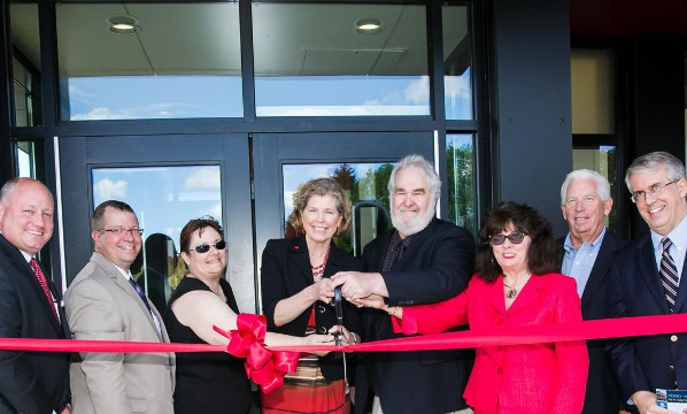 header-foundation-perry-hall-ribbon-cutting-1476159-0163-788x360.jpg