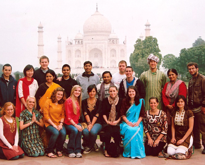 Global Studies 298 students visiting Taj Mahal