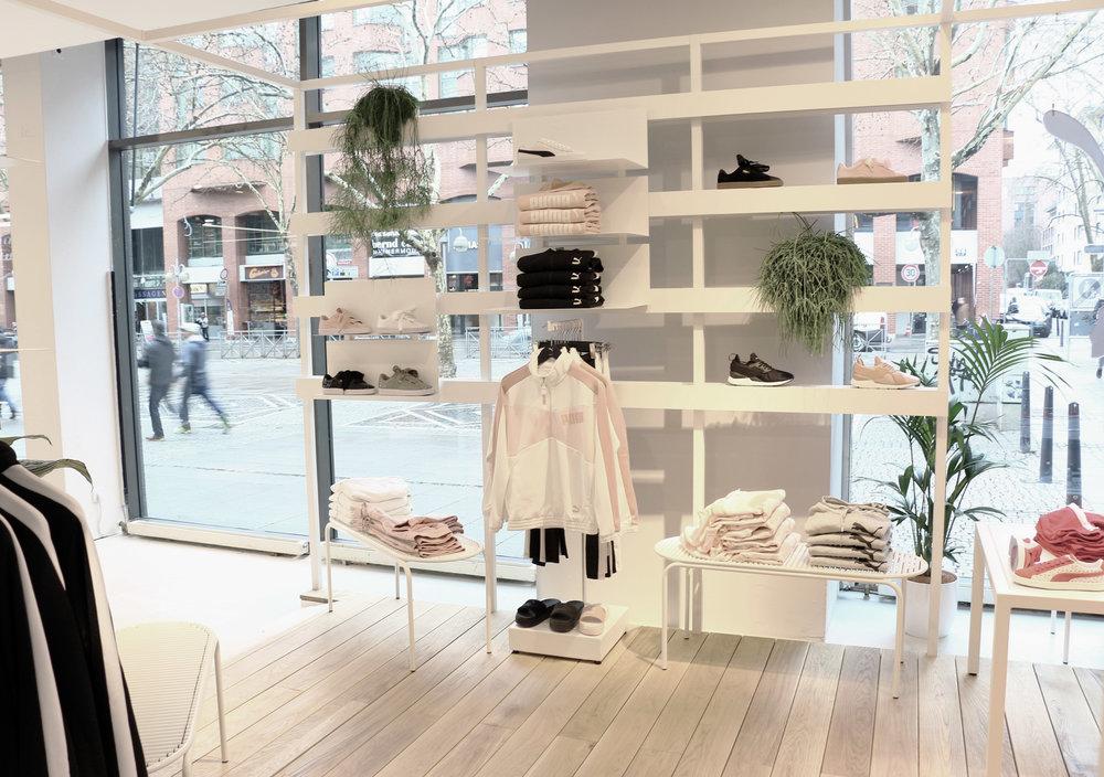 AKTTEM-Roll-Collection-Retail.jpg