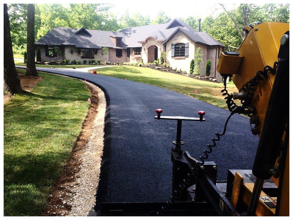 asphaltpaving_driveway