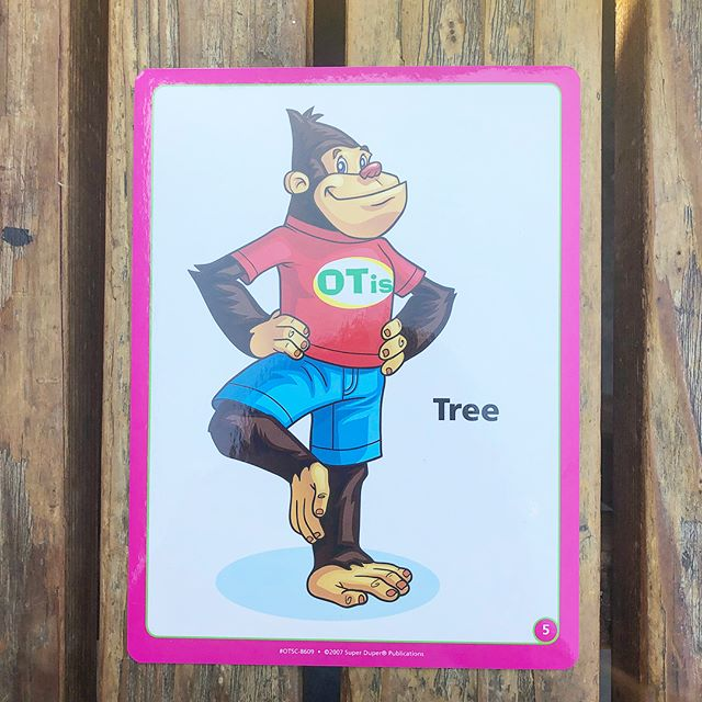 Friday yoga pose! Join Otis in his tree pose with your little ones. Swipe to see an example of the language you can use to instruct your kiddo! ➡️