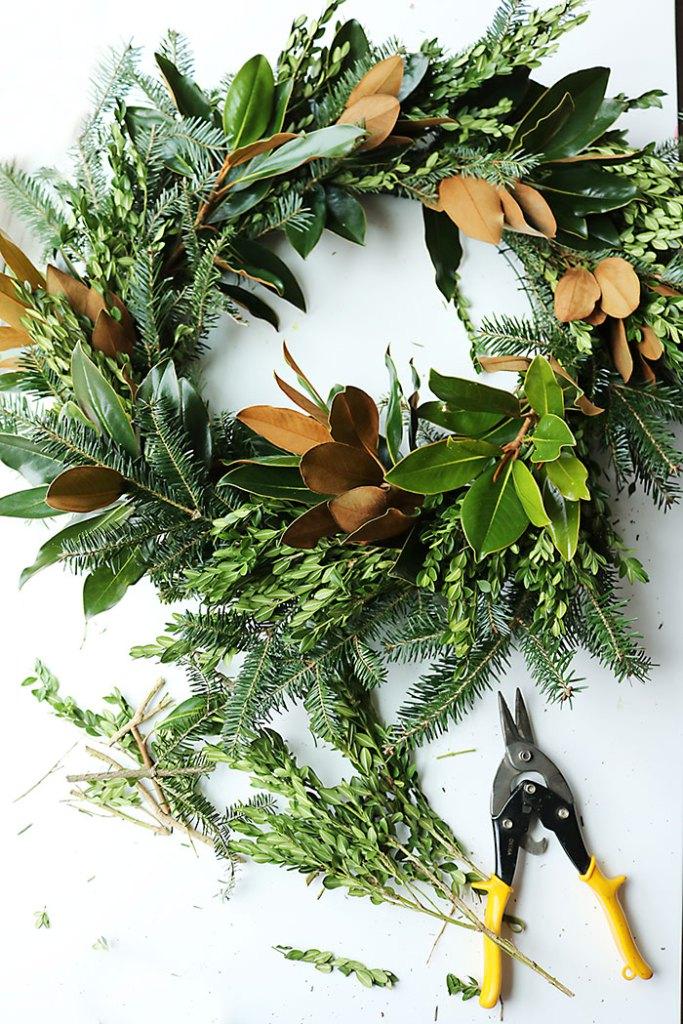 magnolia-wreathcompleted.jpg