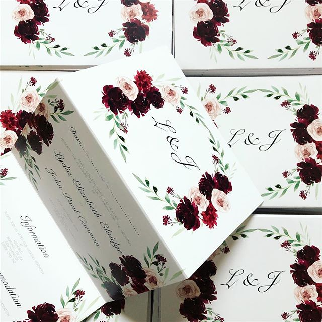 Some beautiful concertina wedding invitations designed for a lovely couple recently 💌🌿