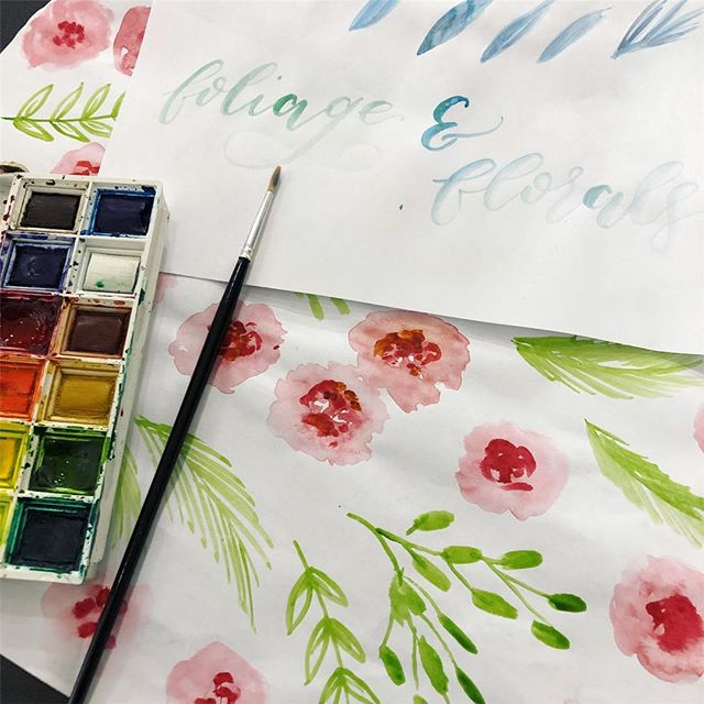 Lovely morning teaching floral watercolour with 14 ladies in Bristol! I also got to meet the lovely @rosie_somerset_lettering 🌿🌸