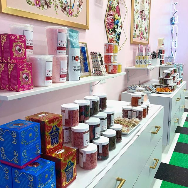 If you haven't seen us it's time to get to Tivoli Village and check out Divine Sugar!Sweets, Treats & GORGEOUS Gifts ♥️ for all your besties! 🎄🌺 🎁  Tell Santa 🎅 you want @divinesugarlv for Christmas! * * * #candyshop #candy #candyshoppe #candylicious #chocolate #champagnegummybears #cottoncandy#tivolivillagelv #tivolivillage #howtotivoli #summerlin #summerlinlv #vegas #lasvegas #vegaslocal #vegaslocals #vegaslife