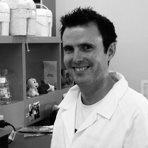 Dr Christoper Tomlinson