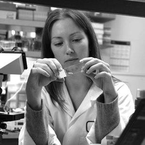 Dr Tracy Putoczki