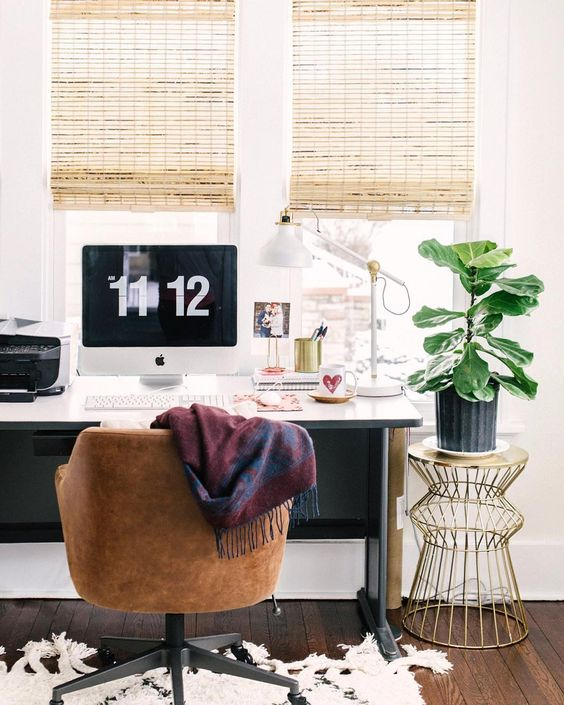 Jenna Kutcher's Picture Perfect Workspace