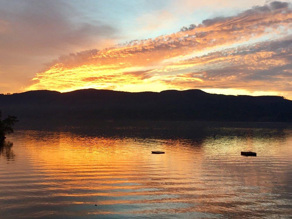 TuwanekHotel-Sunset-2.jpg