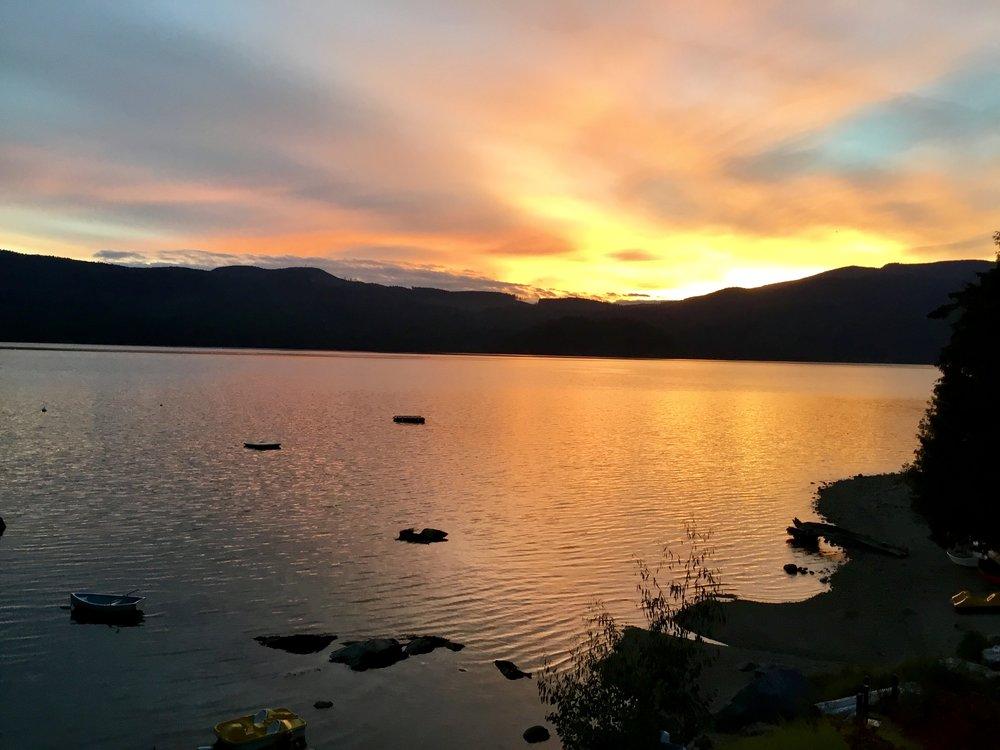 TuwanekHotel-Sunset-8.jpg