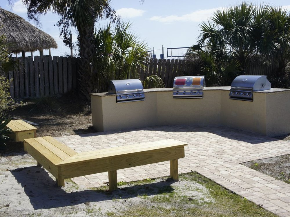 GAS GRILLING AREA