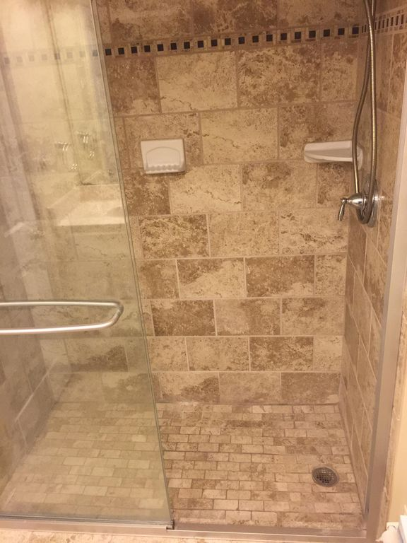WALK-IN SHOWERS IN BOTH OCEANFRONT BATHROOMS
