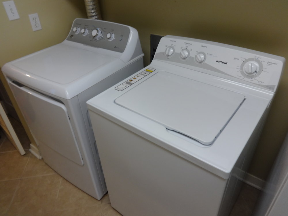 WASHER / DRYER IN VILLA.