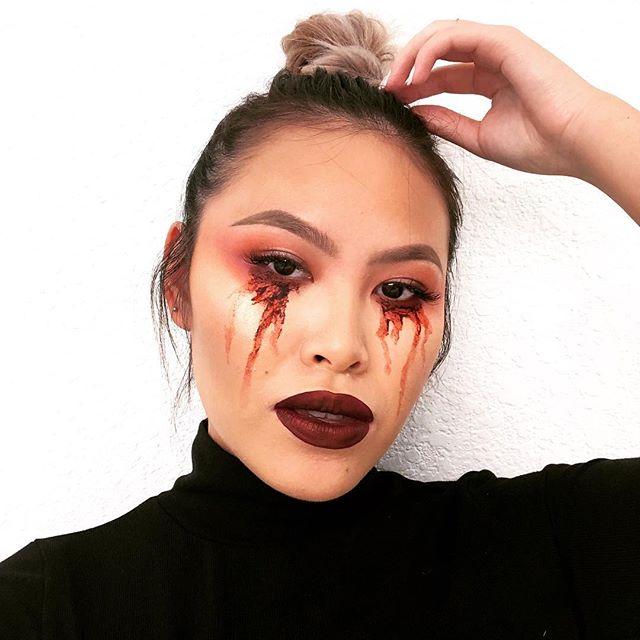 🔪 cut throat  @amazon coagulated blood gel (cokohappy)  @anastasiabeverlyhills brows, eyeshadow (modern renaissance)  @morphebrushes eyeshadow palette #12S @katvondbeauty liquid lip in vampiria @ofracosmetics highlighter in rodeo drive  #discover_muas