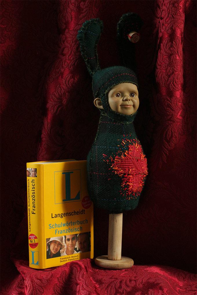 Interview de l'artiste Justine and Cow et ses poupées étranges sur Tricotin.com