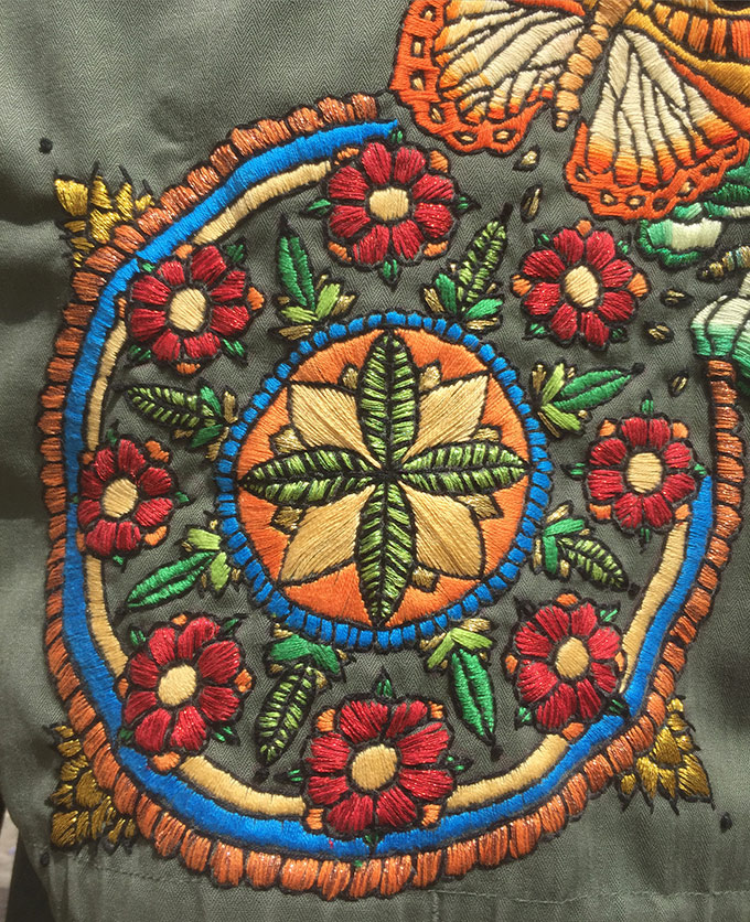 Interview Elise Vibert Vallet  - veste tatouee zoom sur www.tricotine.com